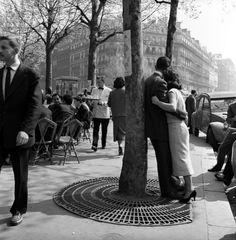 Lies Wiegman - Couple, Paris, 1960.