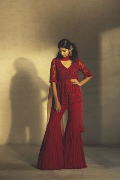 Pakistani Formal Dresses, Party Wear Indian Dresses, Designer Party Wear Dresses, Indian Fashion Dresses, Indian Outfits, African Fashion, Fashion Outfits, Stylish Dress Designs, Stylish Dresses