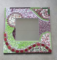 Mosaic Mirrors, Mosaic Glass, Stained Glass, Mosaic Diy, Mosaic Tiles, Photo Mosaic, Mosaic Patterns, Projects To Try, Angeles