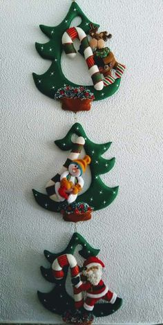 Ideas y diseños de Papa Noel para decorar en Navidad Felt Christmas Decorations, Christmas Fabric, Christmas Diy, Vintage … Felt Christmas Decorations, Felt Christmas Ornaments, Christmas Wood, Handmade Decorations, Christmas Projects, Christmas Wreaths, Christmas Templates, Christmas Fabric, Polymer Clay Christmas