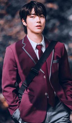 Handsome Korean Actors, Handsome Anime Guys, K Pop, Korean Drama Songs, Stray Kids Seungmin, Cute Boys Images, Kdrama Actors, Foto Jungkook, Cute Actors