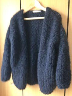 Bernadette vest nr 3 Sweater Coats, Wool Cardigan, Wool Sweaters, Knit Picks, Knit Fashion, Sweater Weather, Pull, Lana, Knit Crochet