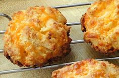 ALMOND CHEESE ROUNDS  (Red Lobster Cheese Biscuit gluten-free style) 4 ounces cheddar cheese, shredded (1 cup)  3 ounces almond flour (1 cup)  2 tablespoons butter, softened  1 egg  1/2 teaspoon garlic powder  1/4 teaspoon salt  Mix into soft dough. Drop 6 mounds onto a parchment-lined baking sheet for about 20 minutes.