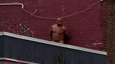 Un homme nu au centre-ville de Sherbrooke - Canoë