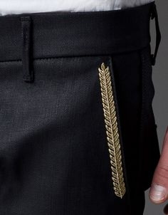 CHINOS WITH GOLD CONTRAST