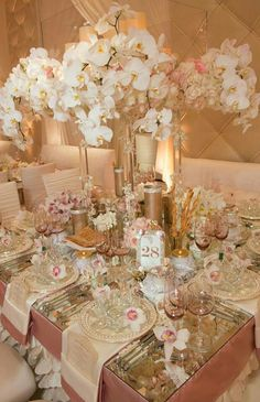 Way too much going on! But I love the centerpiece