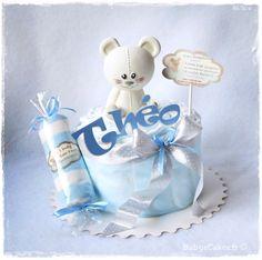Cadeau de naissance mini gâteau de couches Joséphine (jouet Vulli) personnalisé Théo