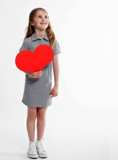 Maak dit zomerjurkje uniek bij Little Stylist. Ga snel naar de Ontwerp Studio: www.littlestylist.com. #girlsfashion #littlefashionista #kidsfashion #littlestylist #fashiondiy #girlscloths