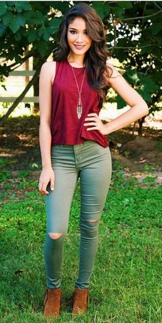 Loving the combo Fall Outfits, Casual Outfits, Cute Outfits, Fashion Outfits, Womens Fashion, Fashion Clothes, Olive Pants Outfit, Stylish Dresses For Girls, Work Fashion