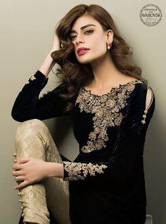 Pakistani and Indian Party wear black dress Pakistani Formal Dresses, Pakistani Outfits, Indian Dresses, Pakistani Clothing, Style Fête, Velvet Dress Designs, Party Kleidung, Pakistani Couture, Desi Clothes