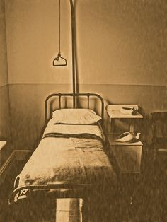 victorian hospital bed by ashcoates, via Flickr