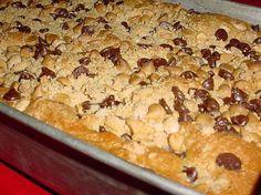 4HealthyRecipes.com |   Peanut Butter Crunch Cake
