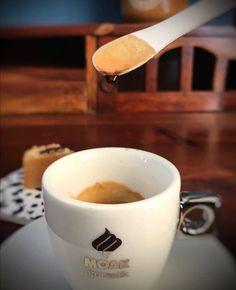 Štúdie dokazujú, že pravidelné pitie kávy znižuje riziko vzniku Alzheimerovej choroby až o 65% a Parkinsonovej choroby až o 60%. #dajsikavu #takeyourcoffee #Moak #moaklovers #coffeetime #coffeelovers #coffee #moakcaffe #coffeeoftheday #coffeelove #italiancoffee #bratislava #coffeeworld ☕ ♥️ Bratislava, Coffee, Tableware, Kaffee, Dinnerware, Tablewares, Cup Of Coffee, Dishes, Place Settings