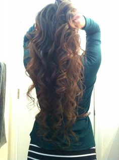 justcallmegorgeous:  Spiral curls | Hair and Beauty Tutorials on @demi breen.com - http://whrt.it/YisMHH