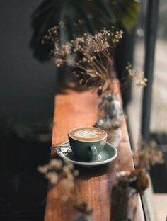 restaurant photography Ideas Photography Coffee Beans Cups For 2019 Coffee Shot, Coffee Cafe, Coffee Drinks, Starbucks Coffee, Iced Coffee, Coffee Is Life, I Love Coffee, White Coffee, Momento Cafe