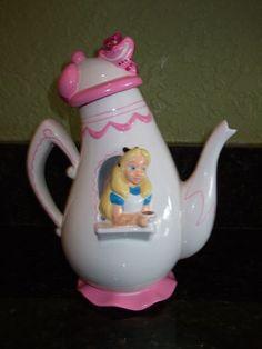 RARE Disney Treasure Craft Alice in Wonderland Teapot Chesire Cat