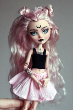 OOAK Monster High & Ever After High repeindre par LucianaDolls