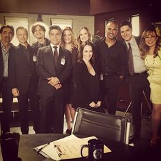 CRIMINAL MINDS!!! CBS is planning a Spin Off Show.. So we are joined by: GARY SINISE and ANNA GUNN on this latest episode.. Episode 19 airs APRIL 8th.. (Left to Right): Joe Mantegne, Gary Sinise, Mathew Gray Gubler, Esai Morales, Anna Gunn, AJ Cook, Jennifer Love Hewitt, Shemar Moore, Thomas Gibson, and Kirsten Vangsness. ~ Shemar Moore on FB