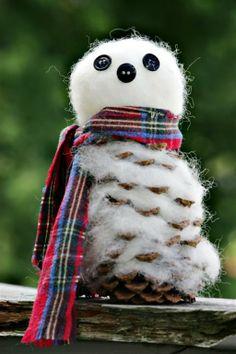 Pine Cone, Cotton Christmas Snowman Craft   Preschool Crafts for Kids  http://tangrila.blogspot.com/2012/10/pine-cone-cotton-christmas-snowman-craft.html