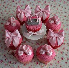 Designer Babyshower Cupcakes - by CakeyBake @ CakesDecor.com - cake decorating website