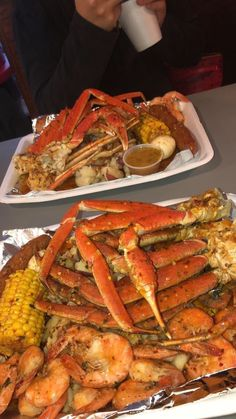 no cap has the best pins Seafood Boil Recipes, Seafood Dishes, Boiled Food, Food Goals, Food Cravings, I Love Food, Soul Food, Food Inspiration, Food Porn