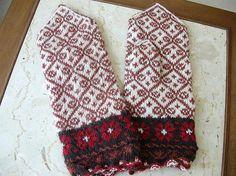 latvian mittens by heartlandknits, via Flickr