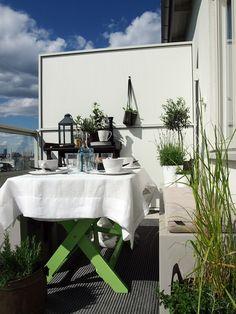 Hitta hem | Lunch på balkongen | Sjövikshöjden - Liljeholmskajen, Stockholm