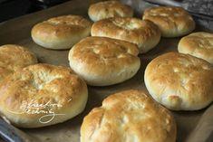 Vdolky: recept od babičky   Staročeské vdolky   Kreativní Techniky Bagel, Hamburger, Food And Drink, Bread, Diet, Ethnic Recipes, Brot, Baking, Burgers