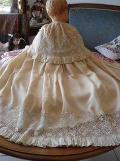 GRANDE CAPE de BEBE - SOIE - GUIPURE - XIXème - Vêtement Ancien