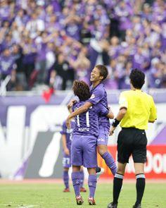 [ J1:第27節 広島 vs 鳥栖 ] 2点リードで前半を折り返した広島は58分に森崎浩司、90分+5には再び佐藤寿人がゴールを決め鳥栖に快勝した。森崎浩は今季4ゴール目、佐藤は20ゴール目となった。  2012年9月29日(土):エディオンスタジアム広島