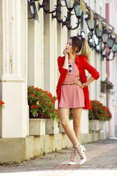 looksly - Flávia do @FashionCoolture com saia e blusa de listras vermelhas do Alto Verão 2016
