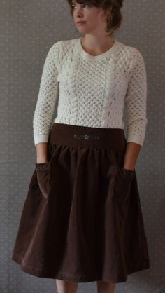 Dirndl Skirt: embroidery AND pockets!
