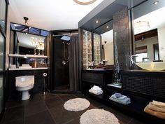 Maison de plain-pied - Via Capitale Mirror, Bathroom, Furniture, Home Decor, Bath, Washroom, Decoration Home, Room Decor, Mirrors