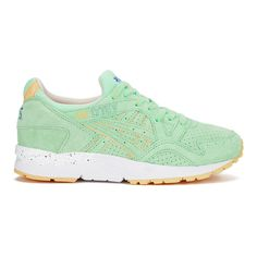 Asics Women's Gel-Lyte V 'April Showers' Trainers - Light Mint ($150) ❤ liked on Polyvore featuring shoes, sneakers, green, green sneakers, asics shoes, asics, mint shoes and mint green sneakers