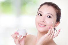Làm sao để phải đẹp có thể sử dụng kem dưỡng trắng da hiệu quả và an toàn nhất là điều mà chị em hay thắc mắc. Cachtrangda xin chia sẻ 1 vài bí quyết khi sử dụng các loại kem trắng da này nhé!