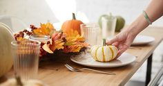 Get your Thanksgiving table ready with these cute, free printables! #LifeWayWomen