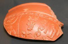 De erotische afbeelding op een Romeinse kruik die gevonden is onder de kelders van Paushuize.