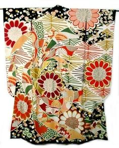 vintage Furisode - bold tabane noshi and various traditional motifs