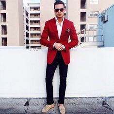 who cares about the glasses.I need the coat Maroon Blazer, Red Blazer, Best Mens Fashion, Men's Fashion, Brown Shoe, Grey Pants, Work Wear, Cool Style, Suit Jacket