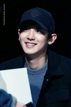 Chanyeol - 161204 Hat's On fansign  Credit: Your Happiness Is My Happiness.