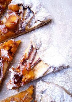 Galette integral de durazno y manzana. Crujiente, fácil y deliciosa receta.