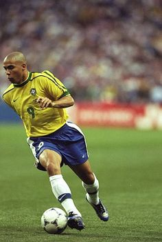 Ronaldo World Cup 1998 Stock Pictures, Royalty-free Photos & Images Brazil Football Team, Ronaldo Football, Football Icon, Best Football Players, Football Is Life, Football Kits, Soccer Players, Football Soccer, Football Pictures