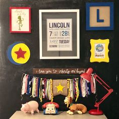 This Toy Story Themed Nursery is full of so many great details. Toy Story Room, Toy Story Theme, Toy Story Party, Themed Nursery, Nursery Themes, Nursery Ideas, Nursery World, Girl Nursery, Modern Toys