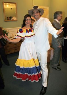 Traditional Venezuelan clothing to represent both their french and spanish roots American Apparel, Spanish Style Weddings, Colombian Culture, Culture Day, Spanish Men, Traditional Dresses, Marie, Girl Outfits, Beige Pants