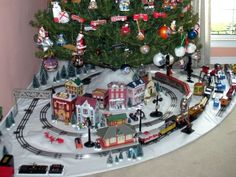 lionel christmas train layout | My Marx 027 tinplate Christmas layout - Toy train operating and ...