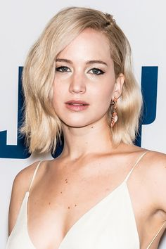 Jennifer Lawrence's latest look is the ultimate New Year's Eve beauty inspiration