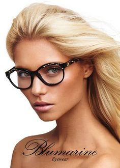 d7daa44446ca Incredibly beautiful blonde with glasses