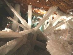 Cave of Crystals Mexico Tour   wereld biografie: Mexico's Cave van Giant Crystals