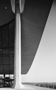 Dulles Airport | Chantilly, Virginia | Architect Eero Saarinen | 1964 Gelatin Silver Print © Ezra Stoller