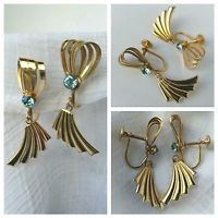 Vintage Gold Tone Blue Glass Rhinestone Screw Back Dangle Earrings